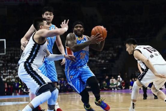 新疆3优势力压辽宁,两战赢22个篮板,预订总决赛斗广东