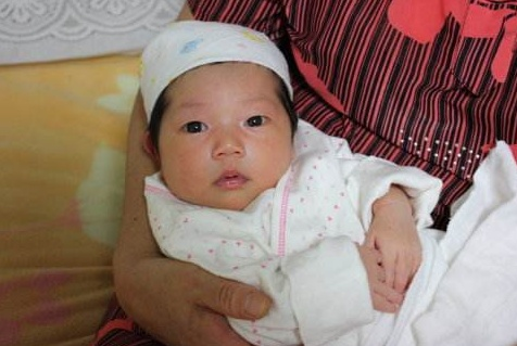 纯母乳喂养宝宝,大便的几个常见问题,呈水样、次数多正常吗?