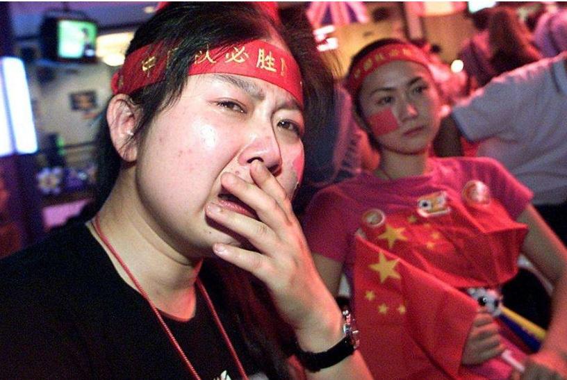 看到输给泰国越南的国青大肚腩,网友乐了:这肚子比我都大!