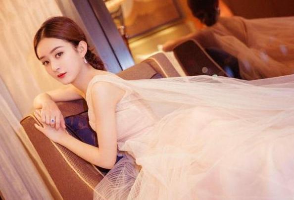 带你看看赵丽颖在北京的豪宅,内部装了巴洛克风格,装修太豪华了