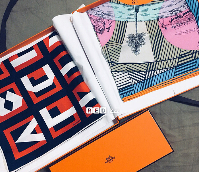 超级简单的45小方巾丝巾系法,手残也能轻松学会