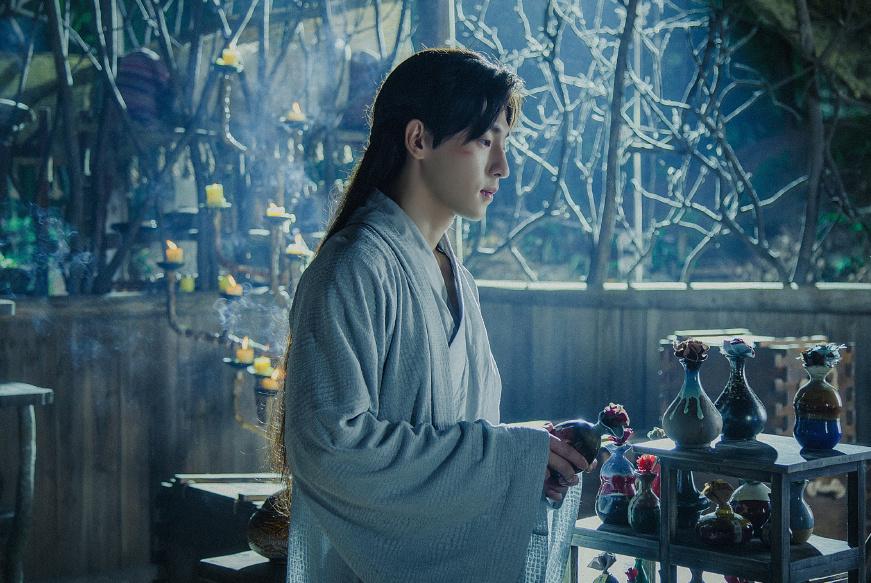 古虐文:他强灌她砒霜,她才刚产子,多年后双子血洗皇城!