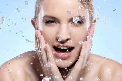 冬季,皮肤粗糙缺水?护理很重要!