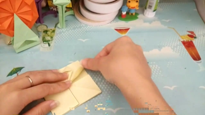 魅力摩天轮折纸,放在书桌前,好美