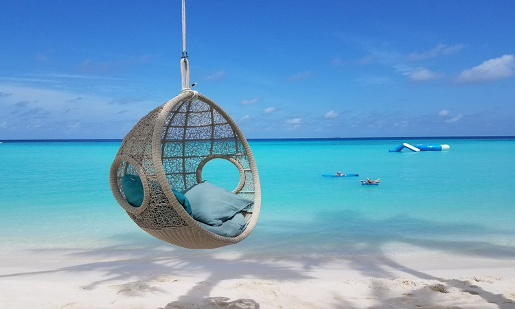 图中的海岛风景风光旖旎,看了让人感觉心情愉悦.