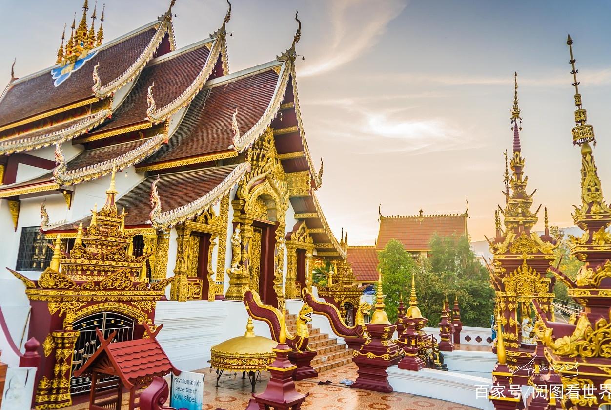 中国游客泰国游玩,把火葬场当成寺庙拍照合影,引发网友嘲笑