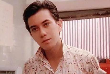 他曾是香港最帅的美少年,吴彦祖陈冠希都比不过他!却成烂片之王