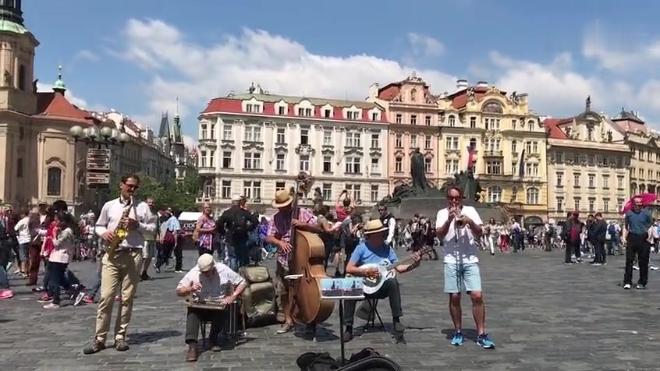 在欧洲街头总是不经意间与音乐不期而遇