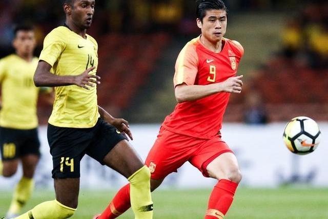 险些输给马来西亚!中国队两度扳平比分,3战进15球小组第一晋级