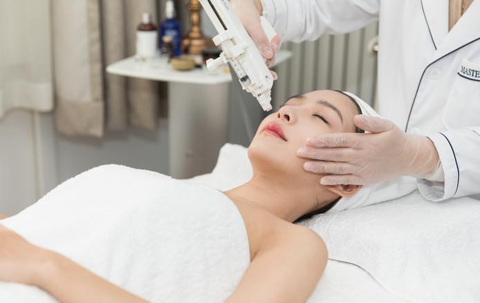 一个辞职美容师的自白:我不纹眉,不隆鼻,更不做脸部美容!