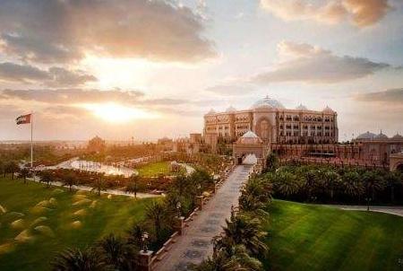 """世界上""""唯一""""的八星级酒店,曾是""""会议宫"""",服务员比顾客还多"""