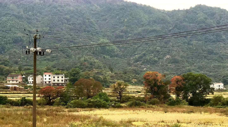 江西最低调的一个古镇,离婺源不远,人少景美,适合自驾