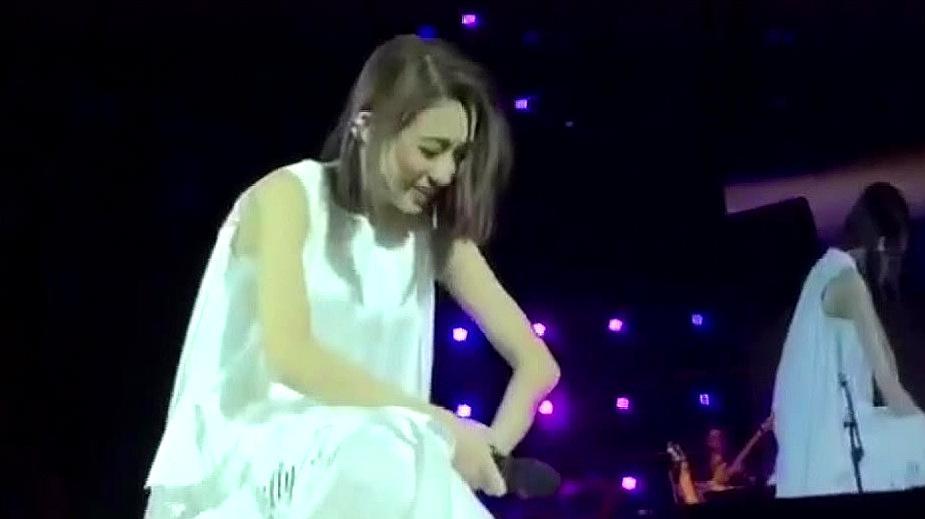 华语音乐车祸现场,观众看了之后开怀大笑,歌手也被逗笑了