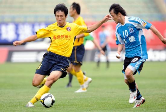 10年前今天安贞焕娇妻助阵大连实德1比0成都,13位出场球员今何在