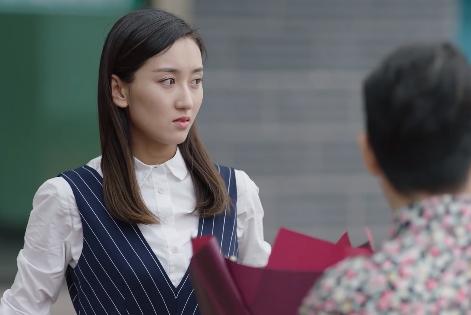 《乡村爱情11》4对男女有苗头:大个儿配小李老师,二丫喜欢他?