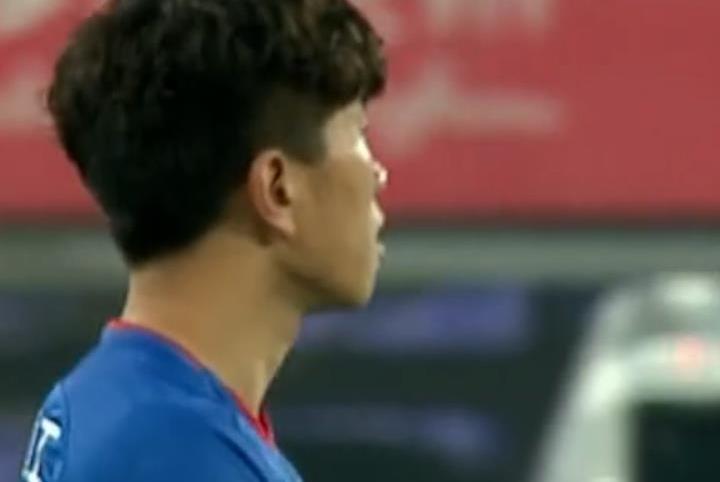 """中国足球的悲哀:23岁""""中超最佳新人""""沦落踢中甲!"""