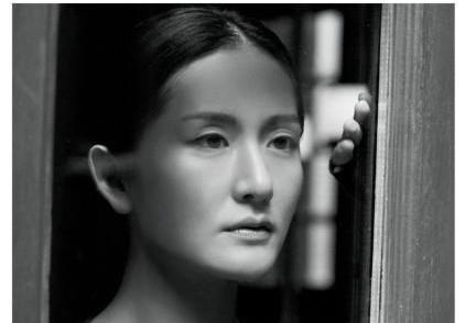 """谢娜登上新加坡时尚杂志封面,网友感慨:原来谢娜也是""""高级脸"""""""