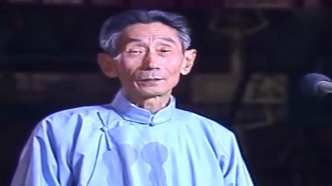 重温-1985年春晚,72岁的马三立表演相声,老爷子就是这么稳!