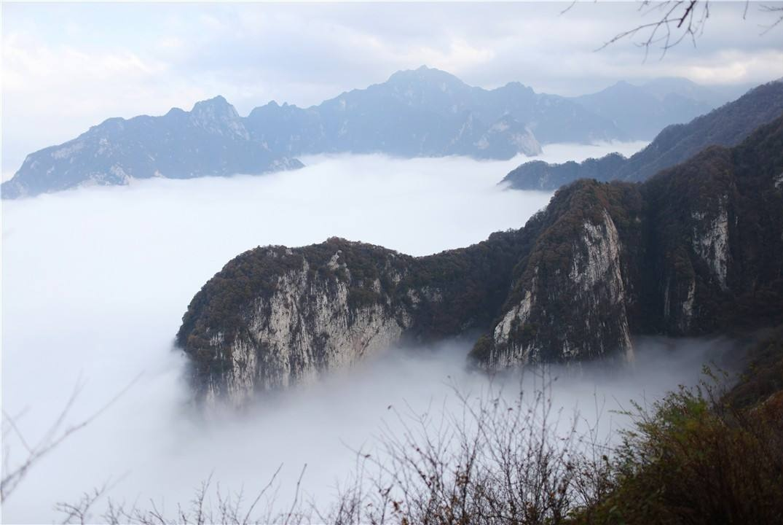 """中国最媲美""""仙山""""的一座山,因为""""全民隐居"""",如今已人满为患"""