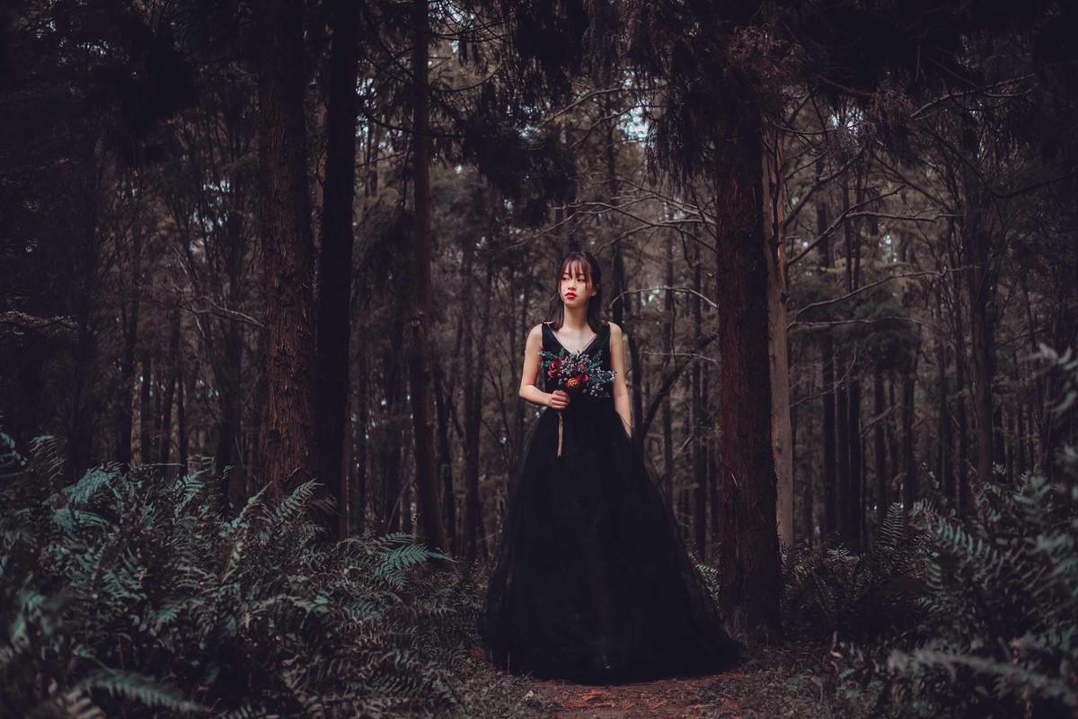 人像写真-暗黑森林的公主图片