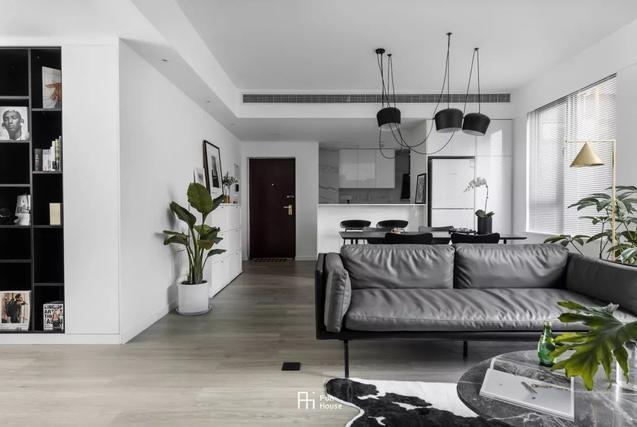 97㎡现代黑白配,简洁时尚,优雅端庄