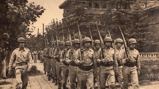 记者偷到重要资料发布独家新闻,日本政府很惊慌,麦克阿瑟很生气