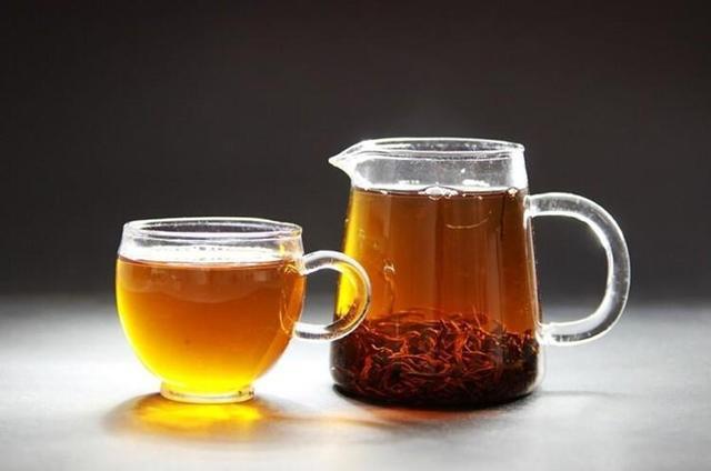 喝红茶有什么功效与禁忌?喝红茶想要不伤肾,请做到这3件事