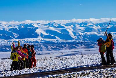 新疆那拉提草原风景区是自治区级名胜风景区和国家5a