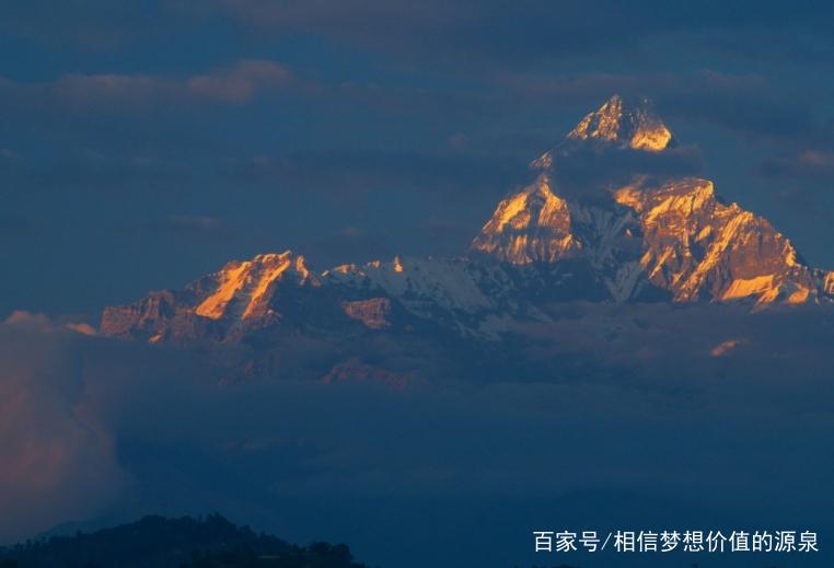 喜马拉雅山有雄壮的风采! 一片独特,美丽的风景!