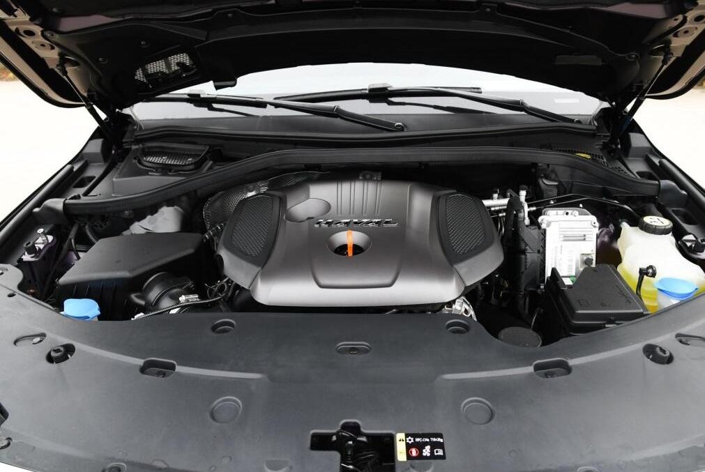 搭载采埃孚8AT,自主研发2.0T引擎,经典suv不足19万却无人过问!