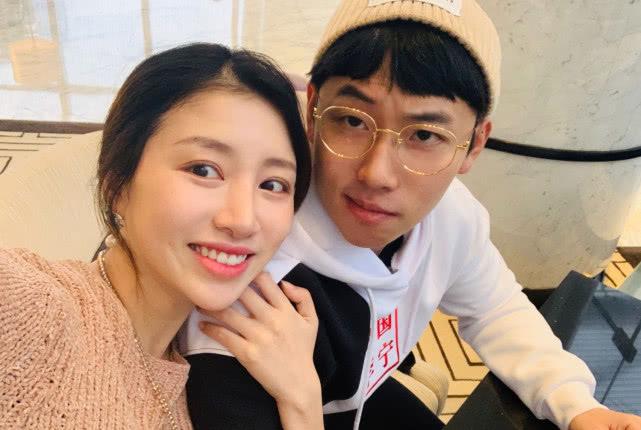 奥运五金王邹凯美妻产子后晒自拍照,素颜出镜被赞最美产妇!