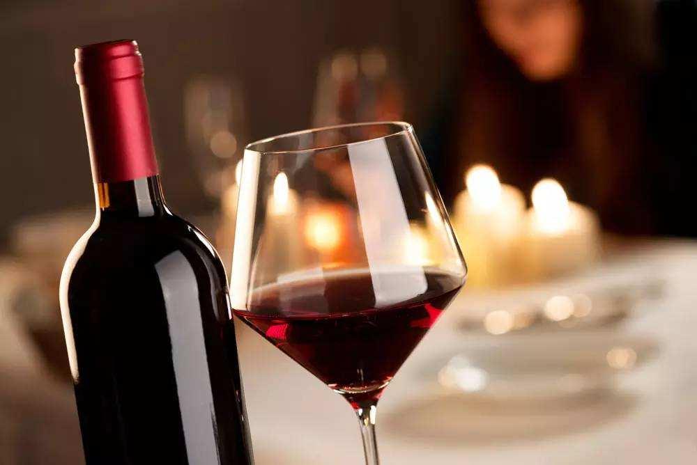 葡萄酒和红酒是一样的吗?听内行人的分析后,别再闹笑话了