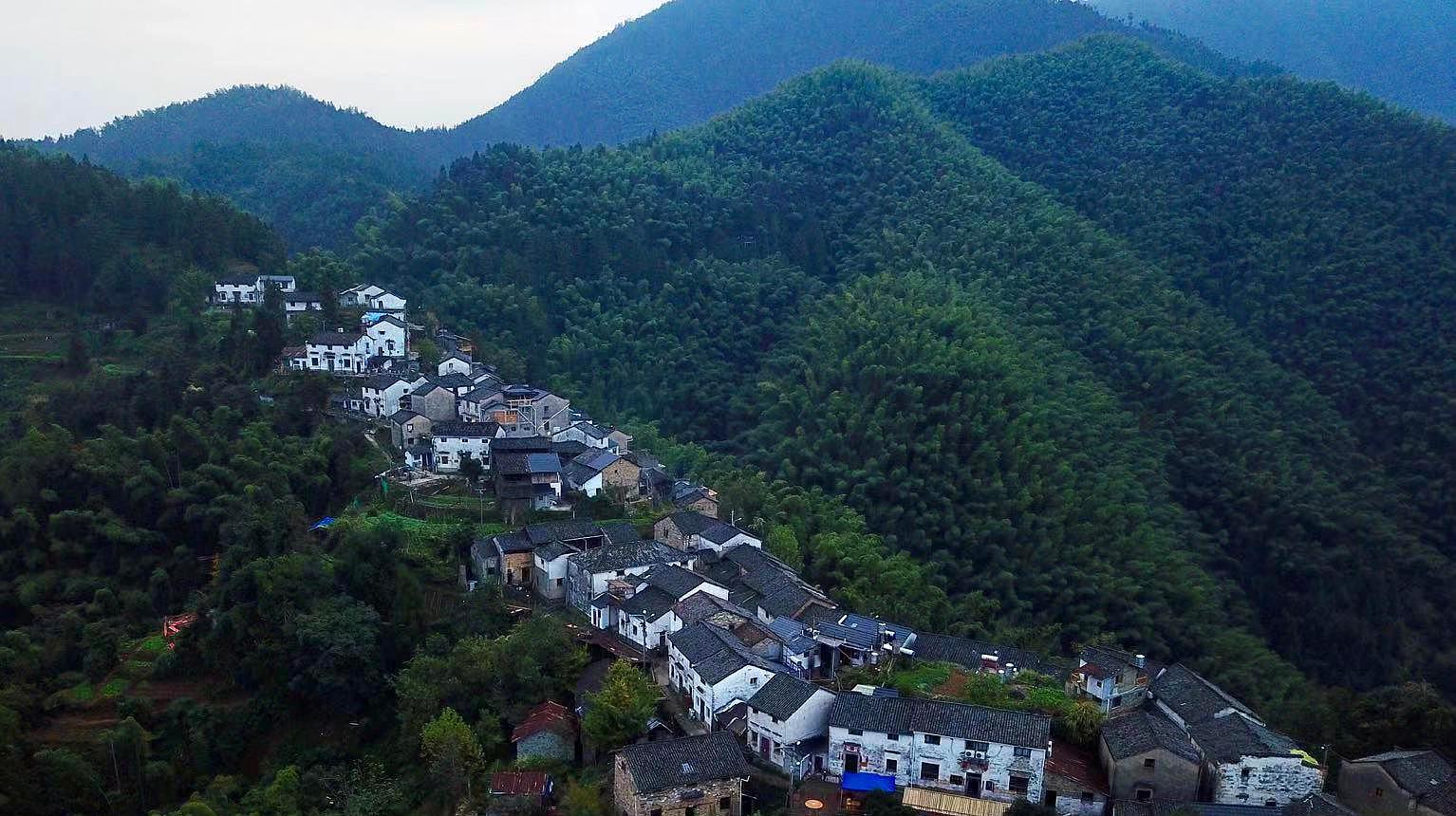 堪称安徽版的郭亮村,现在已经被很多人知道,再过两年就人挤人了