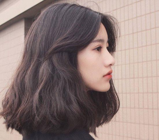 今年最流行的发型 短发和齐肩发赢了图片