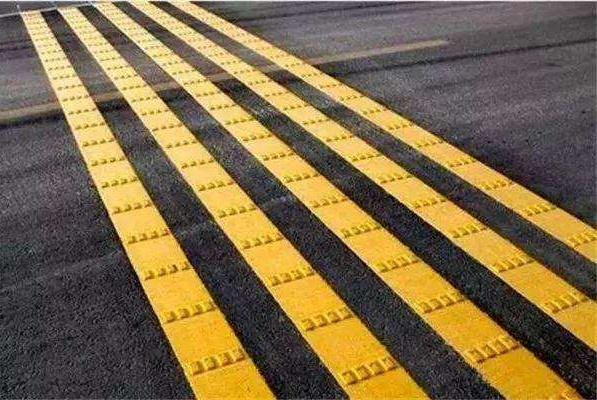 教练:不认识这4种道路标线,科目一都白学了,更别说是老司机