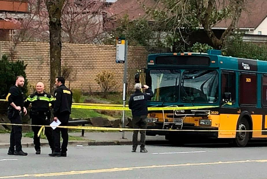 西雅图枪击案细节曝光 嫌犯打死1人驾车逃跑撞车又致1人死