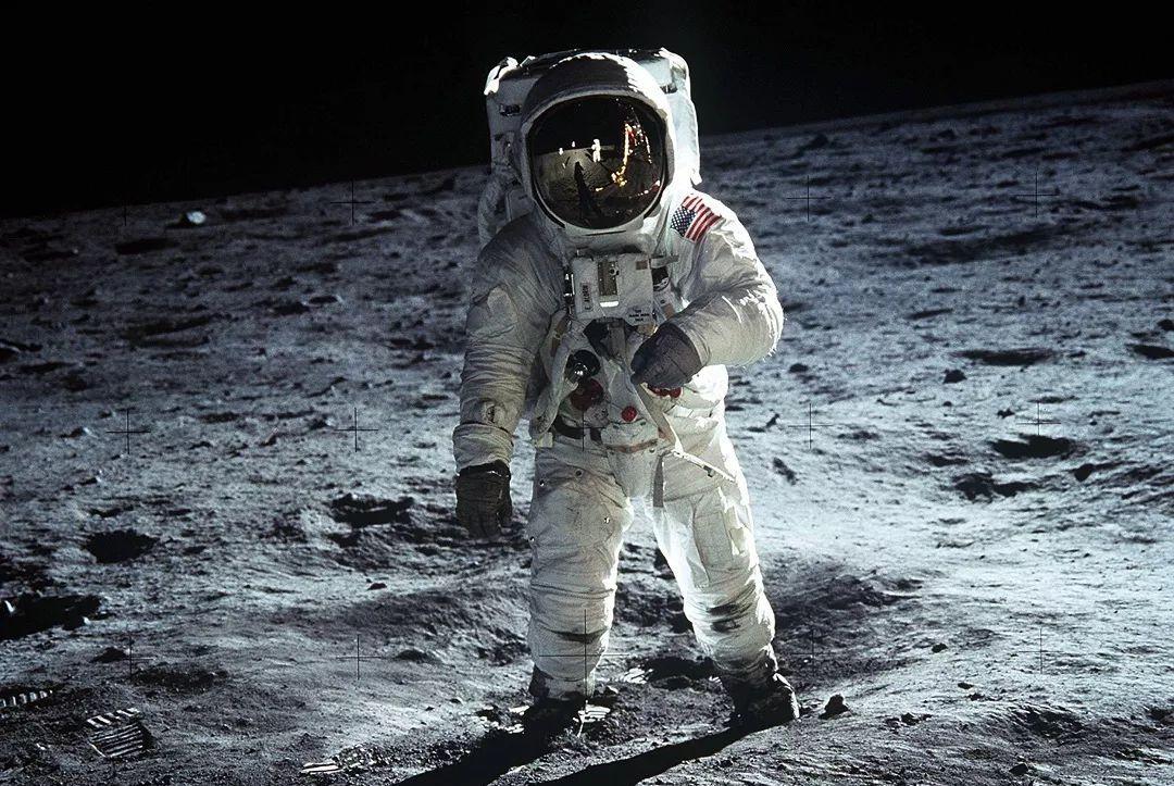 原因何在?美国要向月球南极派遣宇航员