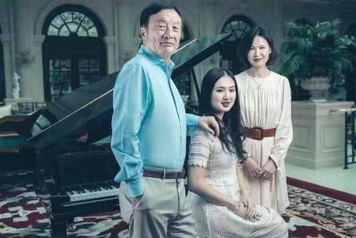 56岁才开始创业,70岁娶了自己的秘书,如今公司市值超过1万亿