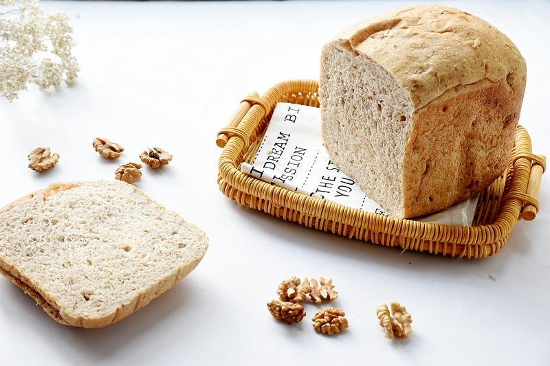 用好你家的面包机,让它变成你的好助手,做个面包就是这么简单