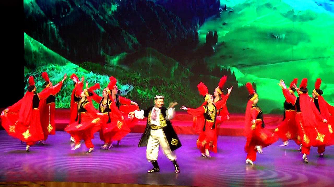 新疆舞蹈美丽的塔里木河,北京东城区离退干部舞蹈队表演