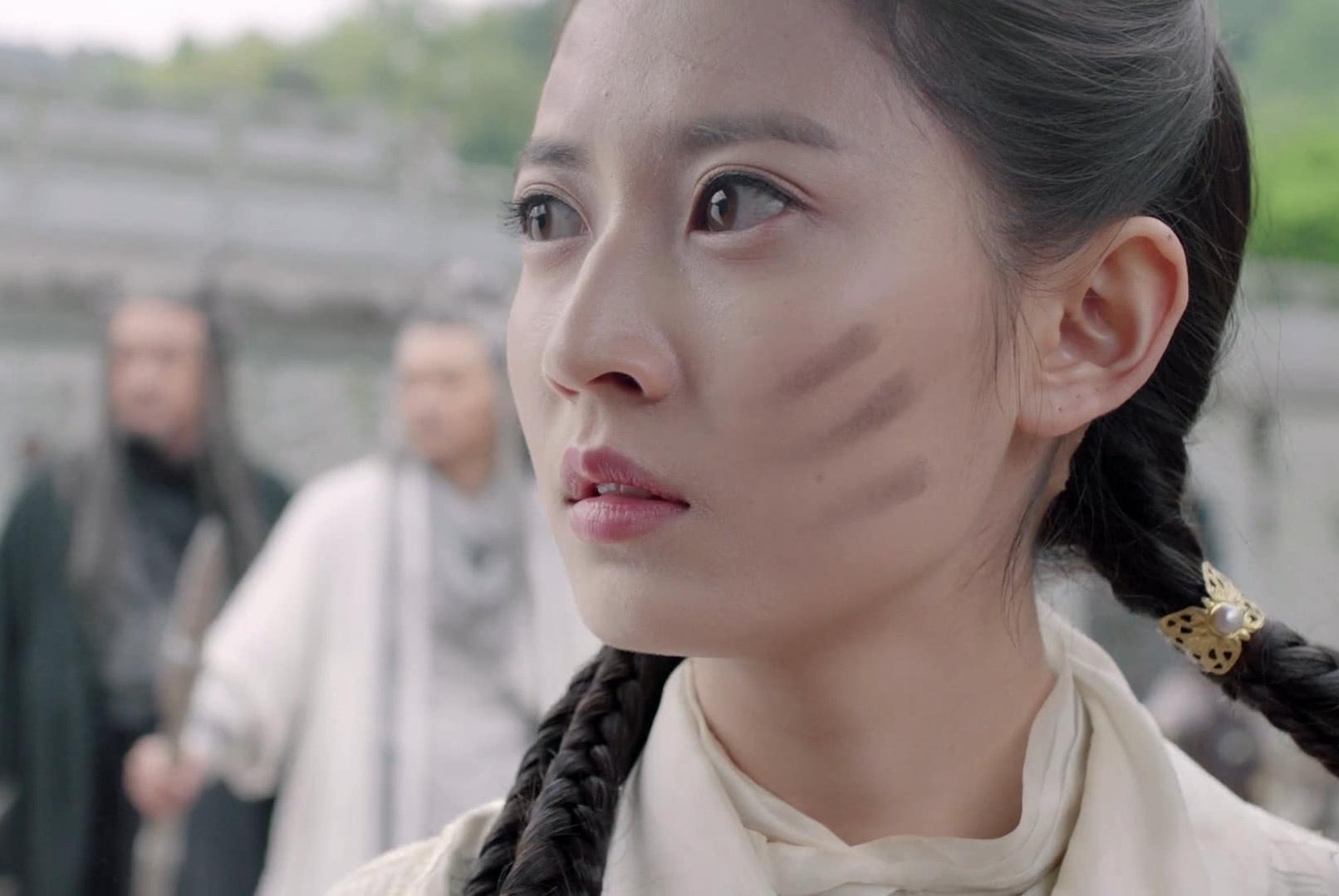倚天屠龙记穿帮镜头!嘉靖提名的牌坊出现在元朝时期