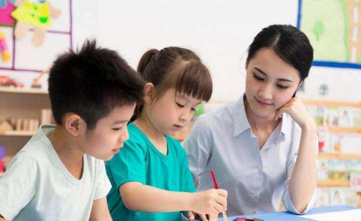 很多人想从事幼师行业,那么,幼师专业的就业前景怎么样?