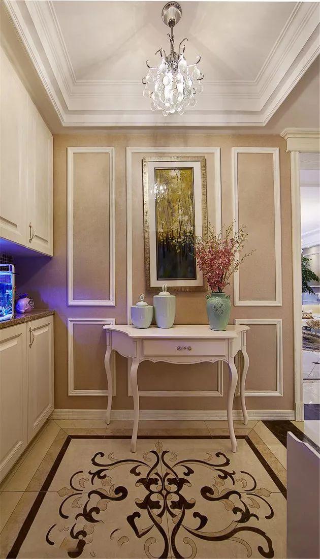 点缀复古典雅的家具软装,融合出优雅浪漫的欧式品味.