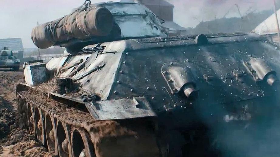 T-34坦克:不愧是坦克兵,面对成群的兵力,也能从容面对
