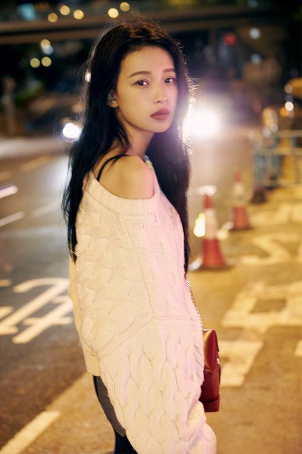 孙怡的毛衣秀:图二最炫酷,图三很可爱,这一张最显女神
