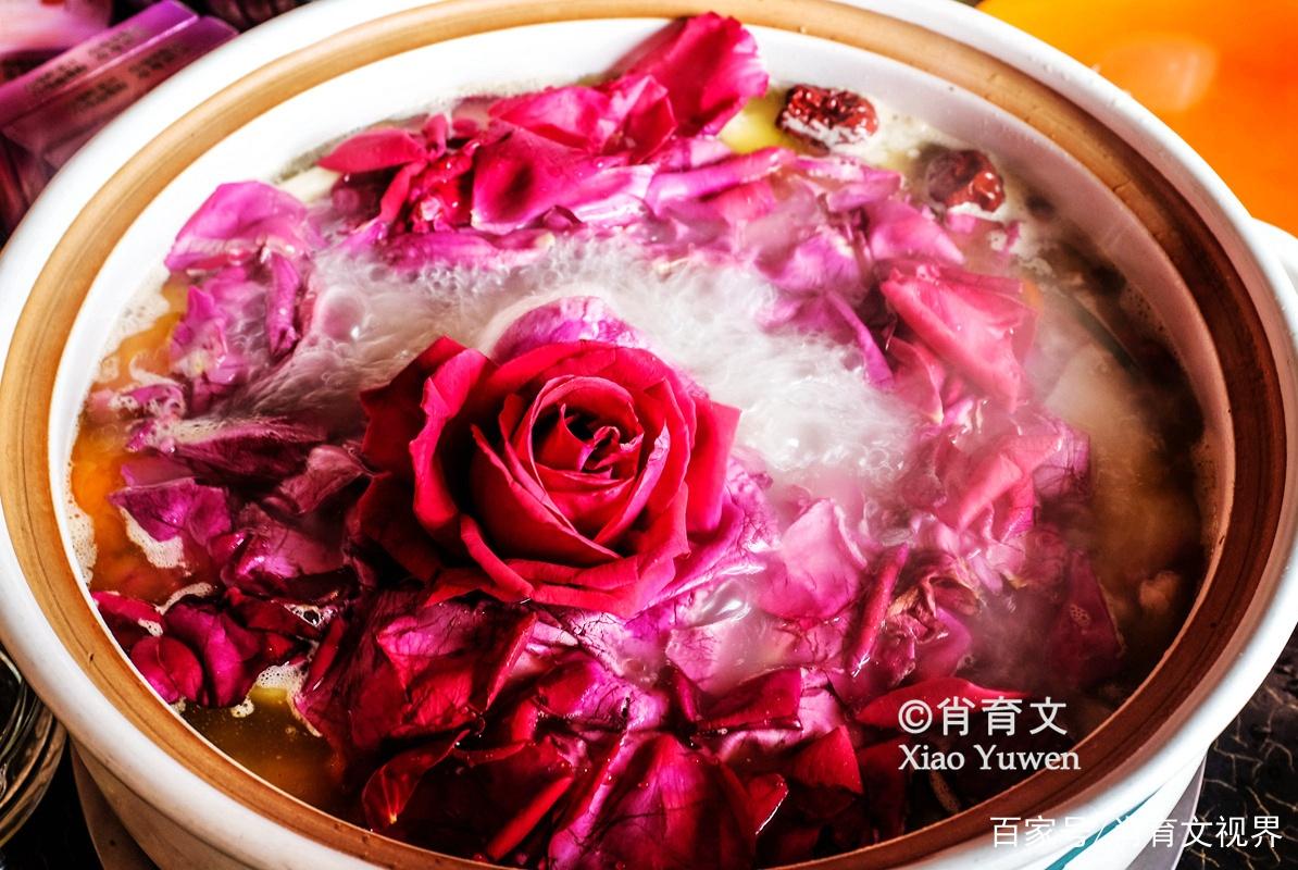 云南不只有鲜花饼,还有秀色可餐的鲜花宴,已有上千年历史