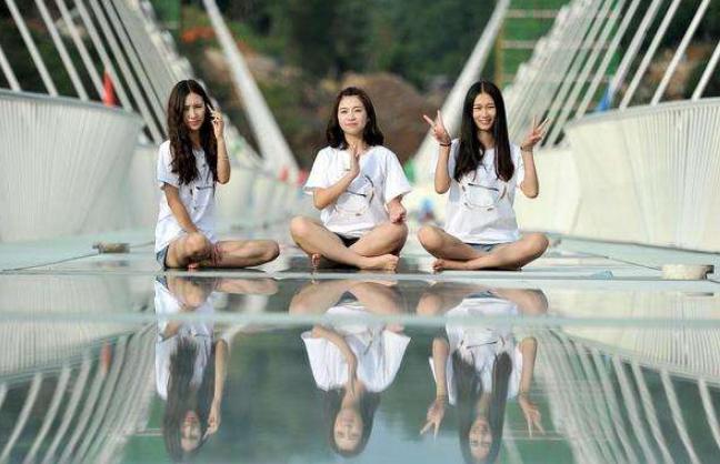 去张家界走玻璃桥?别傻了,浙江这个景点的玻璃桥才是世界最长的