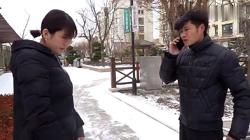 董事长低调回老家,遇前女友百般嘲笑,一个电话美女后悔了!