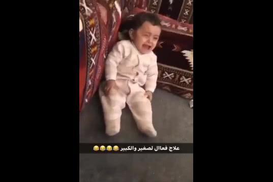 迪拜的宝宝哭了怎么哄?看完视频网友都想去迪拜找人哭
