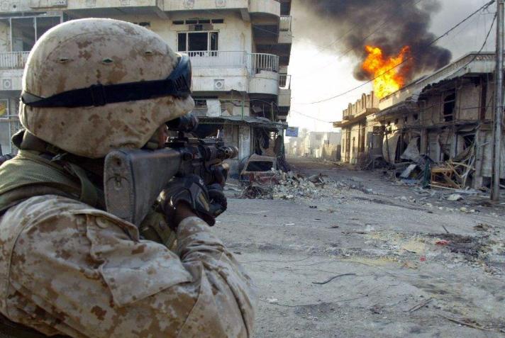 美国徒手灭了伊拉克,为何打不过越南?美国人:这是大好事!